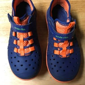 Stride rite Made 2 Play Phibian Water/Dry Shoes